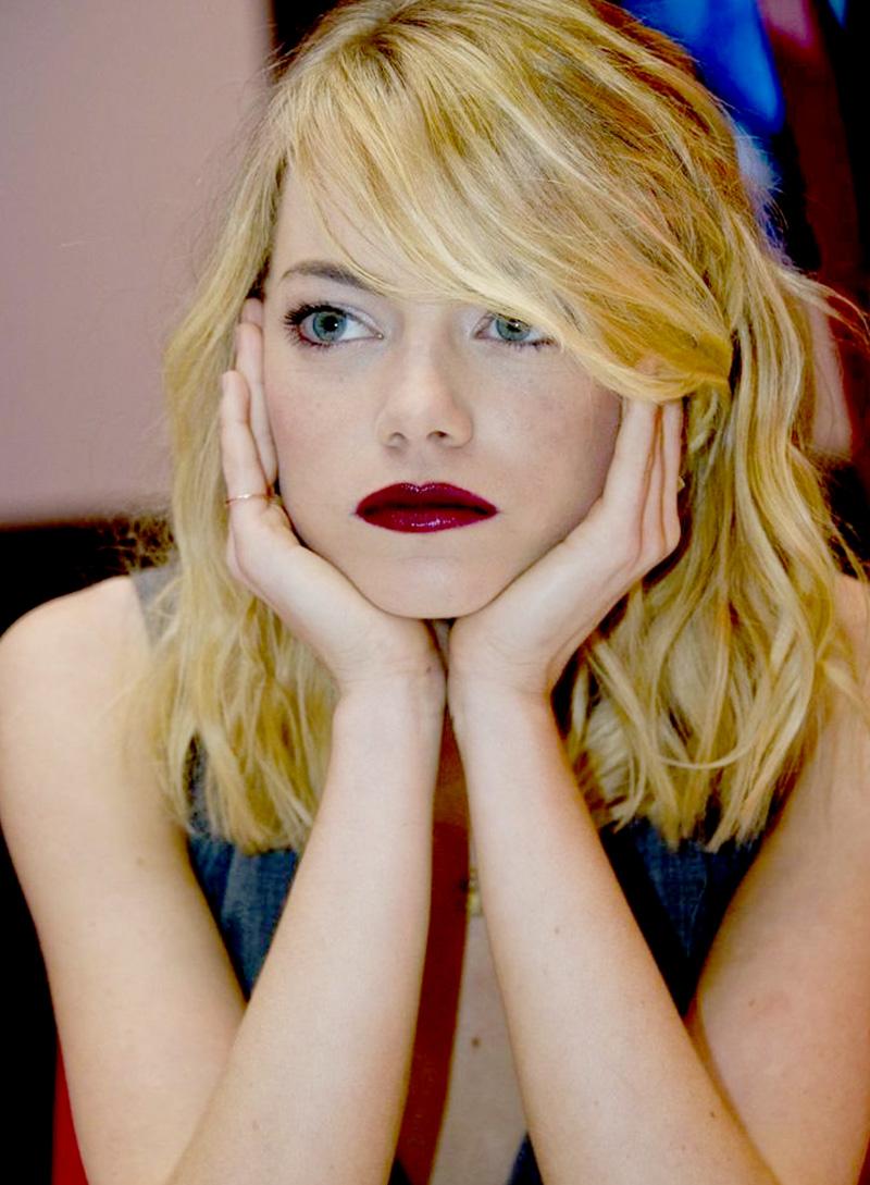 A linda atriz Emma Stone e sua boca que diz tudo!